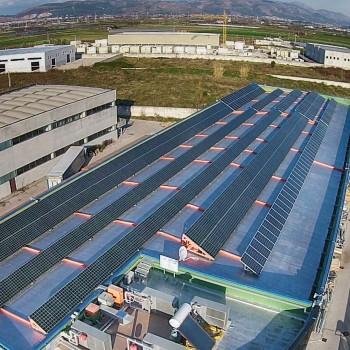 Ispezione pannelli fotovoltaici con drone e termocamera FLIR TAU 2